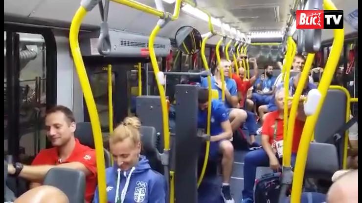 Rio_kosarkasi_slavlje_autobus_sport_blic_safe