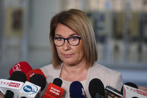 """Mazurek oceniła we wtorek, że sprawa tzw. afery posłuchowej to """"odgrzewany kotlet""""."""