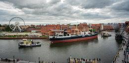 """""""Sołdek"""" przejdzie remont! Statek muzeum trafił do stoczni"""