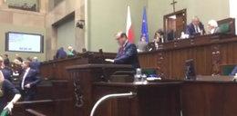 """Kukiz pokazuje nagranie z Sejmu. """"To nie alarm"""""""