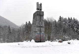 Podkarpackie: Trwa rozbiórka pomnika gen. Świerczewskiego w Jabłonkach