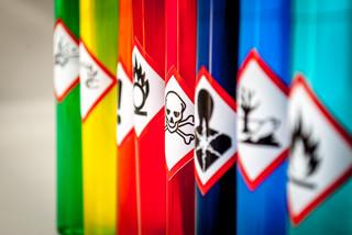 Niebezpieczne chemikalia w wyrobach. Jak być odpowiedzialnym producentem?