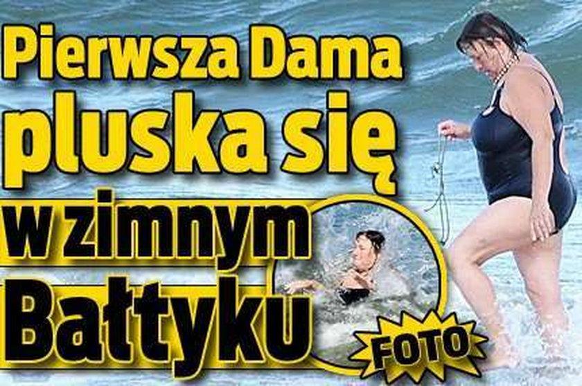 Pierwsza Dama pluska się w zimnym Bałtyku. FOTO!