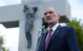 Macierewicz: Wałęsa to jeden z najgroźniejszych agentów. 'To nazwisko jest symbolem zdrady'