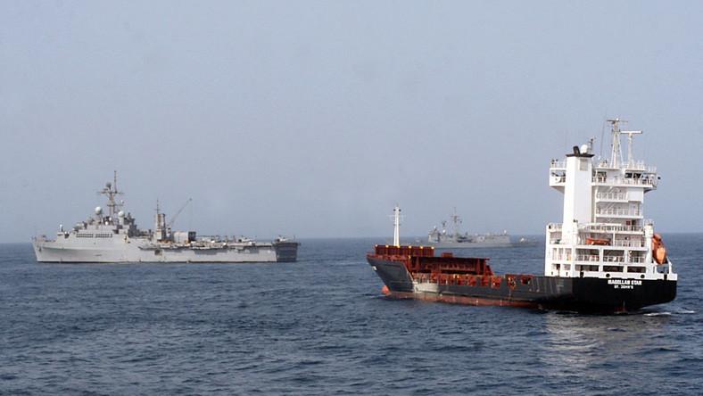 Akcja odbicia uprowadzonego przez somalijsich piratów statku przez US Navy