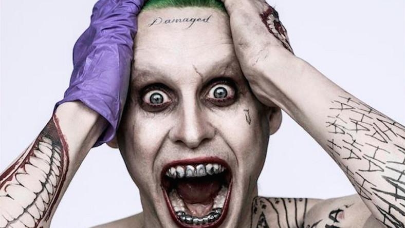 """Wcześniej wroga Batmana portretowali Heath Ledger czy Jack Nicholson. Teraz Jokera w produkcji """"Suicide Squad"""" (opowieści przedstawiająca losy grupy czarnych charakterów zatrudnionych przez rząd do wykonania zadania zbyt niebezpiecznego dla superbohaterów) zagra lider Thirty Seconds to Mars. Jego przemiana i pierwsze zdjęcia z filmu wzbudziły wiele skrajnych emocji. Jared Leto nie był jednak pierwszy. Oto aktorzy, którzy zdecydowali się na równie drastyczne transformacje. Bo przecież wszystko dla sztuki..."""