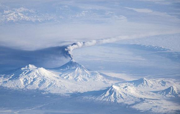 Erupcija vulkana Klijučevskoj na Kamčatki