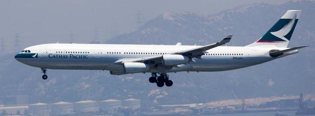 """7. miejsce wg czytelników """"Travel+Leisure"""" należy się Cathay Pacific z Hongkongu"""