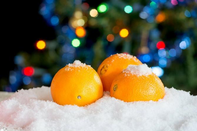 Pomorandže ispod jelke za berićetnu godinu!