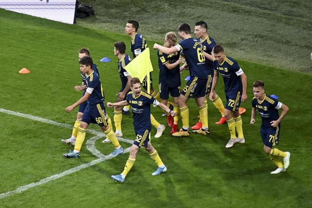 Radost mladih igrača Rostova zbog gola na gostovanju u Sočiju