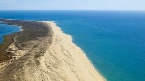 Bezludna wyspa Barreta na południowym krańcu Portugalii