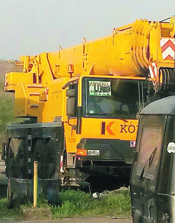 Iz Kolubare: Propagandnim materijalima oblepljeni kamioni, bageri, mašine...