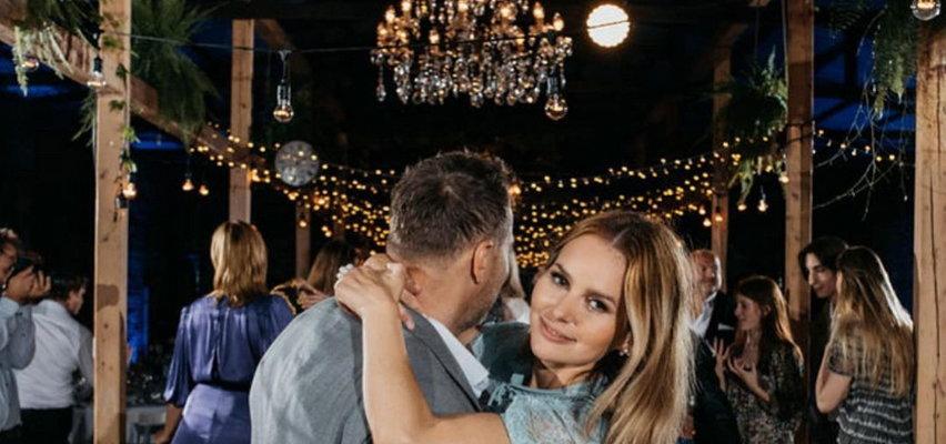 Paulina Sykut-Jeżyna pokazała zdjęcia z wesela Krzysztofa Ibisza. Wcześniej miała zakaz