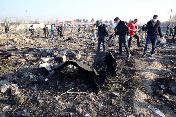Osoba, która udostępniła w internecie nagranie z zestrzeleniem ukraińskiego samolotu w Iranie w ubiegłym tygodniu, została zatrzymana przez Korpus Strażników Rewolucji Islamskiej - poinformowała we wtorek irańska półoficjalna agencja Fars.