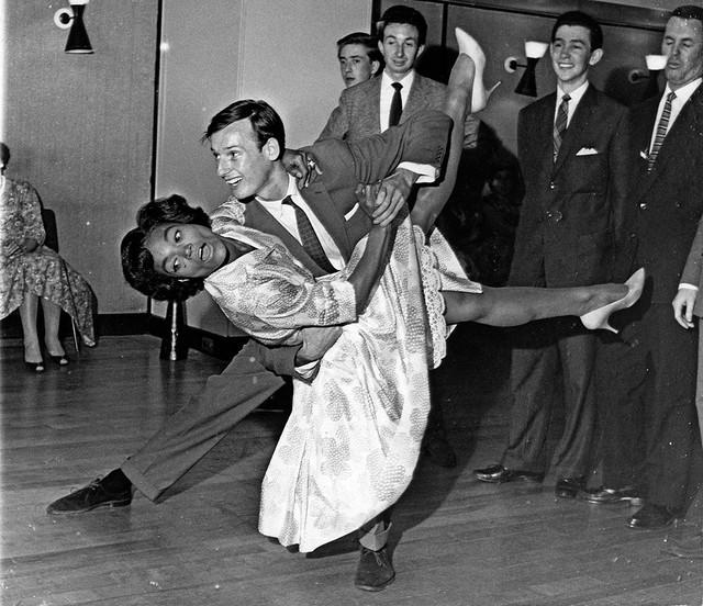 """Kit je započela svoju karijeru 1943. godine, a već 1945. je igrala u originalnoj brodvejskoj postavci mjuzikla """"Carib Song"""""""
