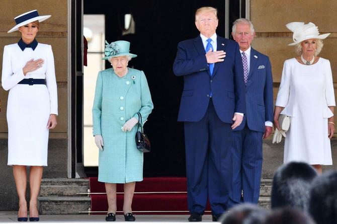 Donald i Melanija Tramp u poseti britanskoj kraljevskoj porodici