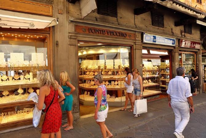 Deo Firence koje žene najviše vole: nakit koji se tamo može naći vredan je vaše pažnje