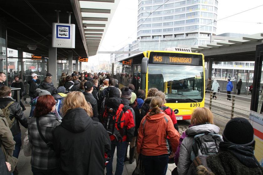 Zamach w autobusie miejskim we Wrocławiu