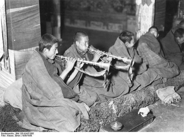 Mnisi buddyjscy, Lhasa