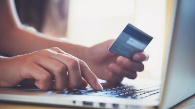 UOKiK ostrzega przed wyłudzeniami danych do bankowości elektronicznej