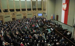Emerytury bez podatku i niższej stawki PIT nie będzie. Podsumowanie 60. posiedzenia Sejmu