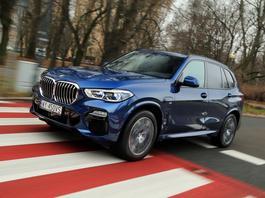 BMW X5 45e – szybkie, oszczędne, ciężkie