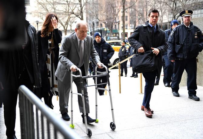 Harvi Vajnstin ispred suda u Njujorku
