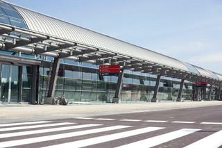Już od jutra rusza naprawa pasa startowego na lotnisku w Modlinie