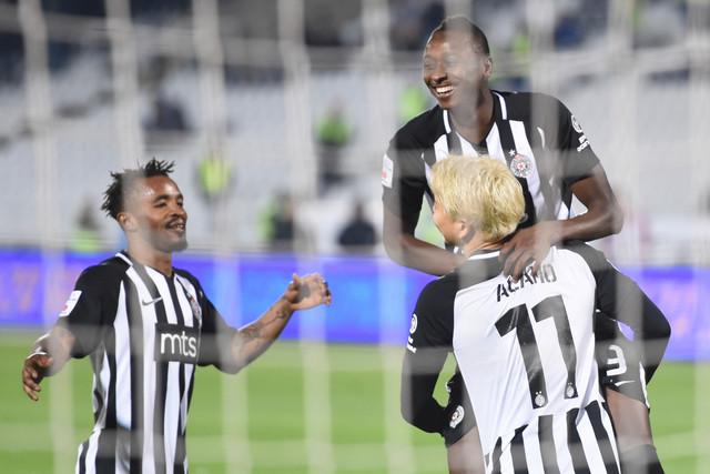 Fudbaleri Partizana proslavljaju pogodak