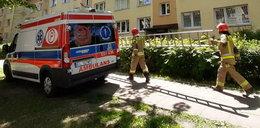 Kobieta uwięziona w mieszkaniu w Łodzi. Strażak wszedł przez okno