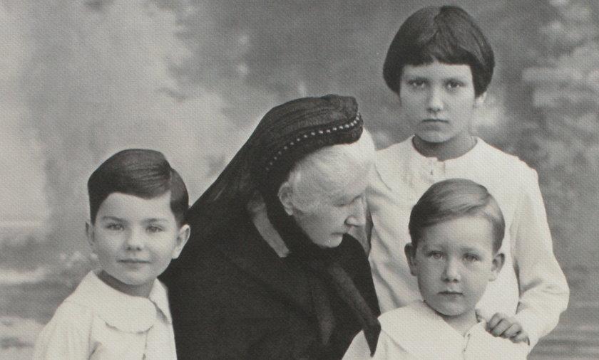 Magdalena z Zawiszow 1 voto Ludwikowa Krasinska 2 voto Mikolajowa Radziwillowa z wnukami: Teresa Cza