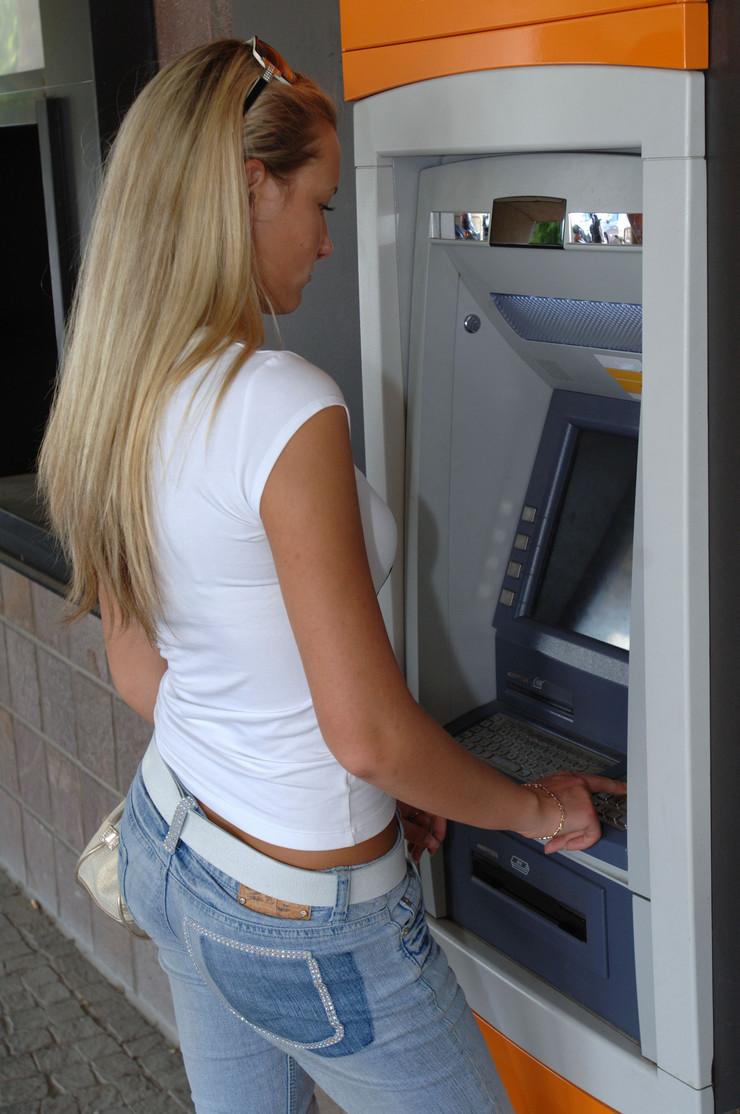 506099_bankomat01rasfoto-shutterstock