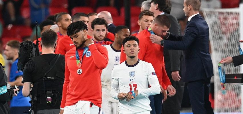 Oburzenie po zachowaniu Anglików podczas ceremonii wręczania medali