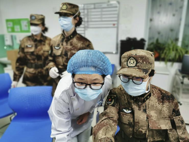 Vuhan vojno medicinski tim 02 foto Tanjug AP