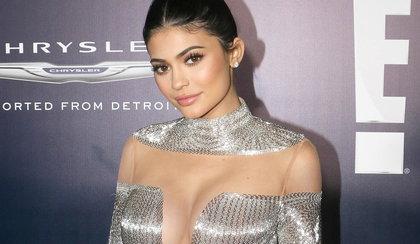 Kylie Jenner w odważnej sesji. Te piersi zwalają z nóg?