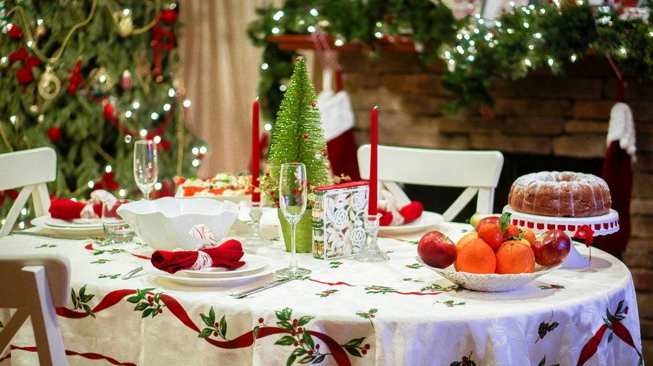 Tradycyjny stół świąteczny