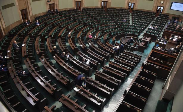 PSL otrzymałoby 3 proc. głosów a partie: SLD, Partia Razem, Wolność Janusza Korwin-Mikkego po 2 proc.