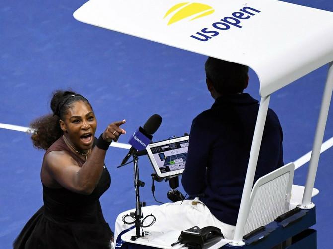 """""""Serena, moraćeš da se izviniš!"""" Tviteraši OSULI PALJBU na teniserku posle skandala, a evo kako se ona brani"""