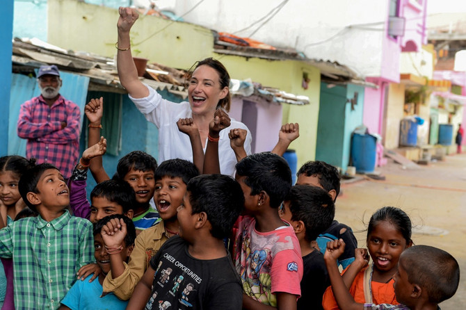 Kler sa decom u Indiji ove godine