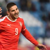 PONOVO SE TRESLA LUDA GLAVA! Mitrović je najbolji srpski golgeter, a njegova statistika je IMPRESIVNA /FOTO/