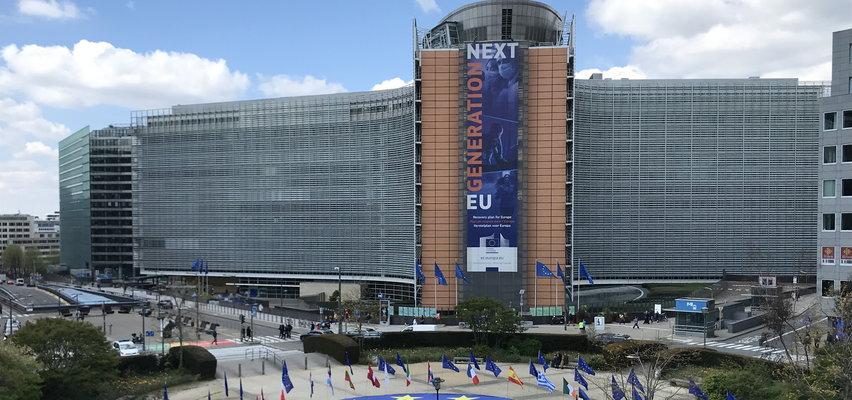 Co się dzieje z pieniędzmi na odbudowę Polski? Z UE miały popłynąć miliardy, a tymczasem pojawiają się niepokojące wieści!