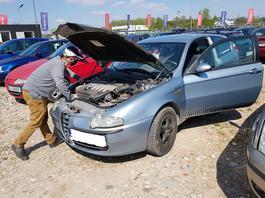Tanie auto na dojazdy do pracy! Sprawdzamy co warto kupić za 3-5 tys. zł