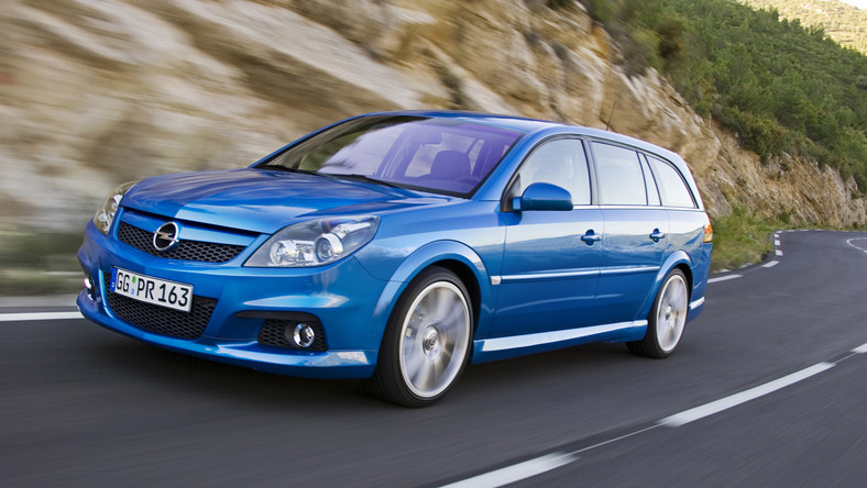 Opel-Vectra-Station-Wagon-OPC-205414