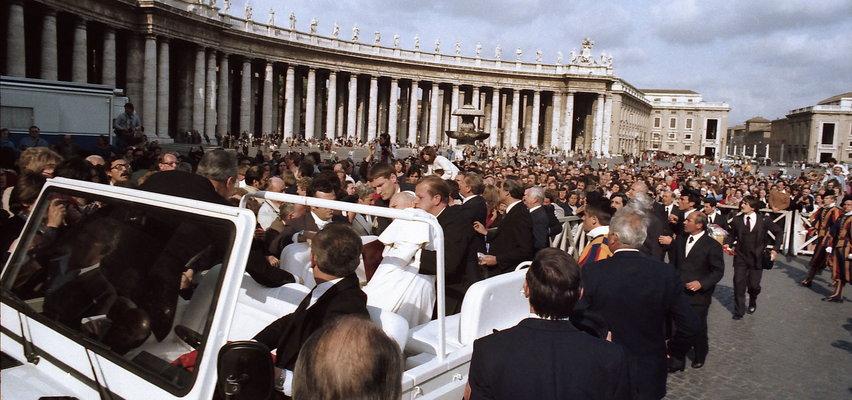 Próbował zabić Jana Pawła II. Mówi, że jest dobrym człowiekiem. Co się stało z Alim Agcą?