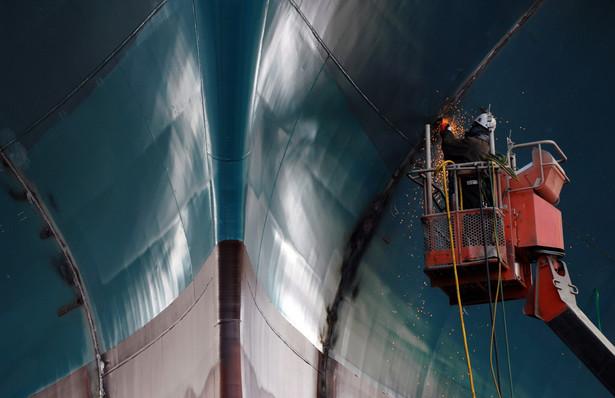 Statek w stoczni