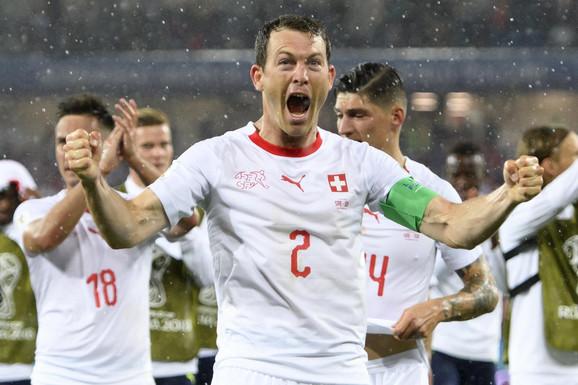 Štefan Lihtšajner slavi trijumf nad Srbijom
