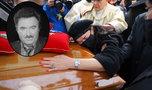 Wzruszające sceny na pogrzebie Krzysztofa Krawczyka. Żałobnicy nie mogli powstrzymać łez [RELACJA]