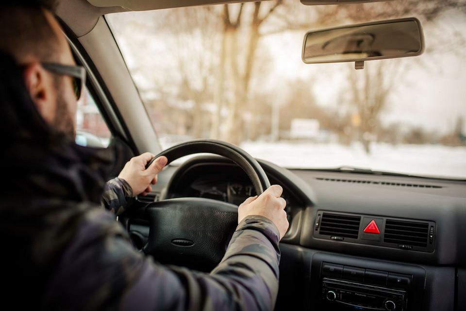 Прогревать двигатель в состоянии покоя или сразу за рулем?