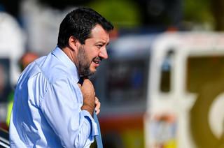 Wicepremier Włoch walczy z okrętami i grozi opuszczeniem strefy Schengen