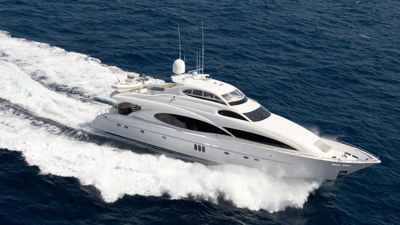 Zakaz wakacji na jachtach oligachów. Komisarze płaczą